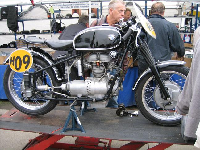 Custom BMW motorcycles R25racer